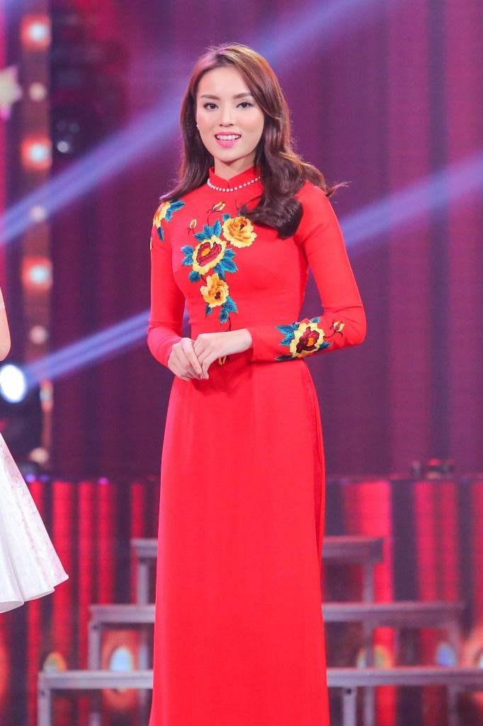 Hoa hậu Kỳ Duyên thân thiết với MC Phan Anh - 9