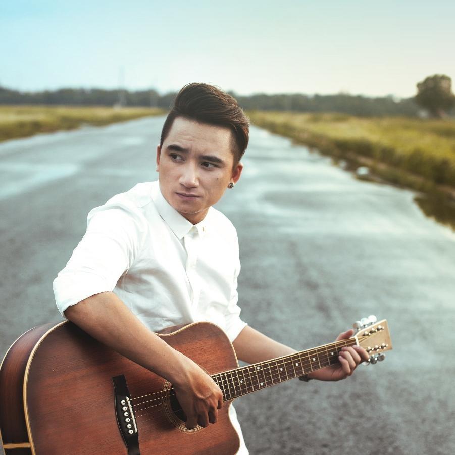 Những ca sĩ trẻ được yêu thích trong làng nhạc Việt năm 2015 - 2