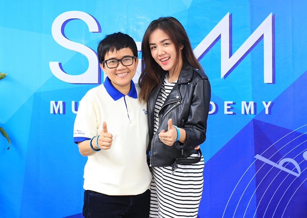 Phương Ly, em gái của Phương Linh cũng có mặt