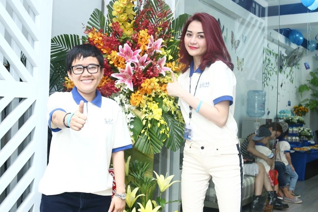 Thiều Bảo Trang là người bên cạnh hỗ trợ tích cực cho Phương Uyên trong công tác quản lý và giảng dạy tại trường