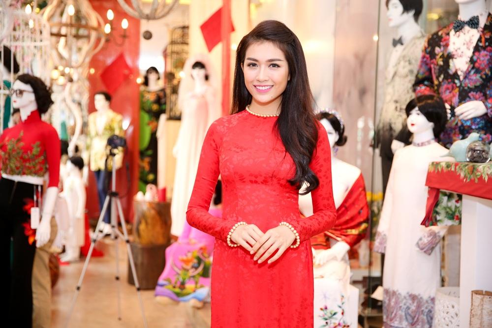 Trương Thị May, á hậu Hoàn vũ Lệ Hằng lộng lẫy với áo dài - 6