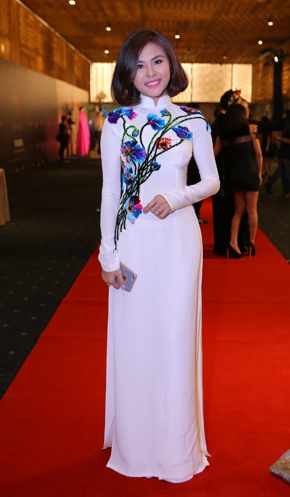 Vân Trang tái xuất sau đám cưới, nữ diễn viên cũng sẽ làm MC trong chương trình này.