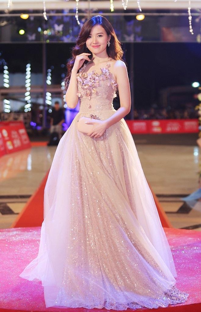 Top 10 sao Việt mặc đẹp tuần qua - 4