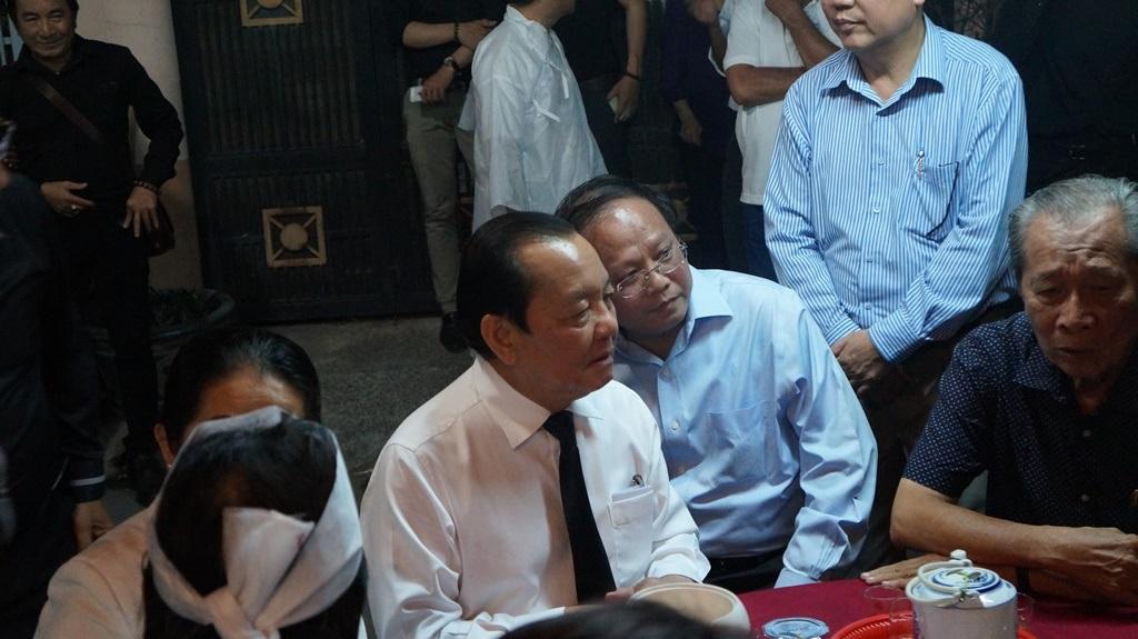 Ông Lê Thanh Hải cũng dành thời gian khá lâu để chuyện trò, chia sẻ cùng gia đình.