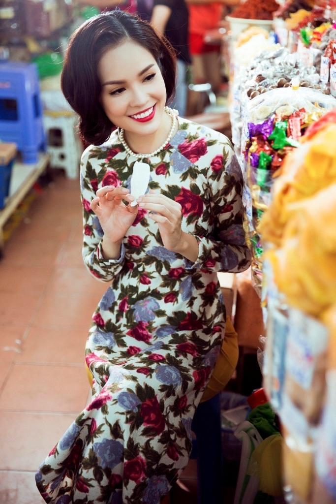 """Mới đây, Dương Cẩm Lynh còn tham gia casting vai chính cho bộ phim điện ảnh """"Một nửa nanh cọp"""" của nữ diễn viên - đạo diễn Việt Trinh, bộ phim dự kiến sẽ bấm máy vào cuối tháng 2/2016."""