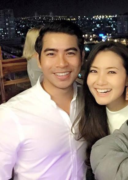 Cô hạnh phúc đón giao thừa cùng người yêu. Với những ai yêu thích phim truyền hình thì diễn viên Thanh Bình cũng không quá xa lạ. Nhiều người gửi lời chúc mừng đến Ngọc Lan khi cô tìm được hạnh phúc mới.