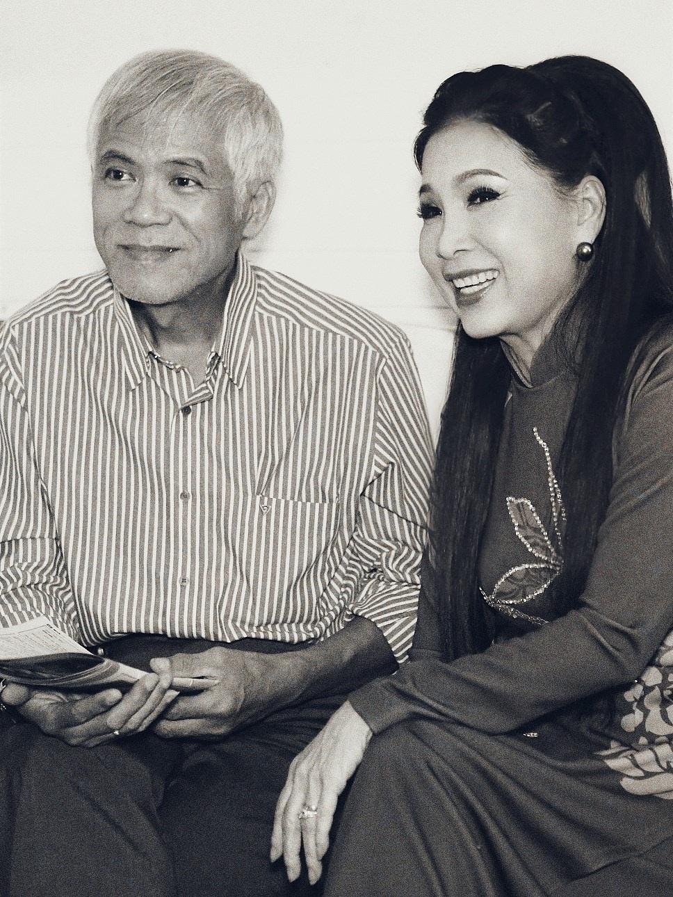 NSƯT Kim Xuân và chồng, người đã gắn bó và cùng cô chia sẻ cuộc sống trong suốt mấy mươi năm qua