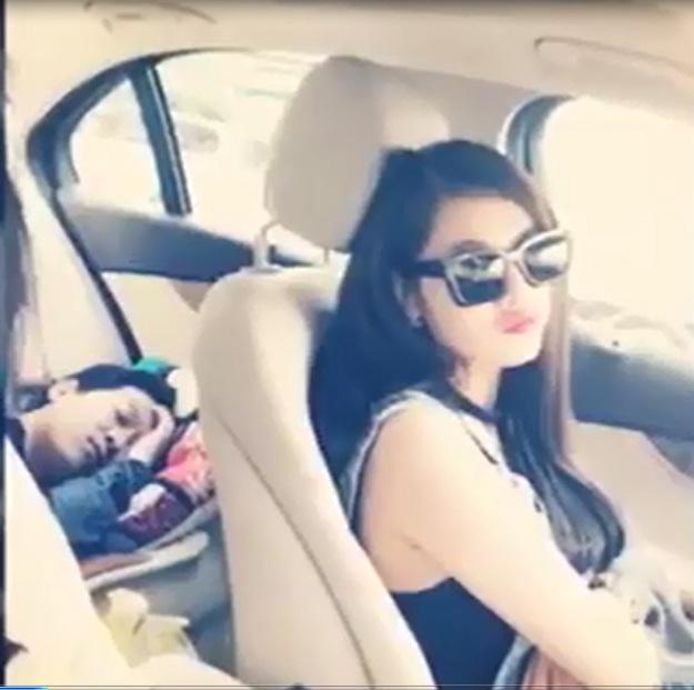 Thậm chí Quế Vân còn ngồi trong xe khi Trường Giang nằm ngủ ở băng ghế sau