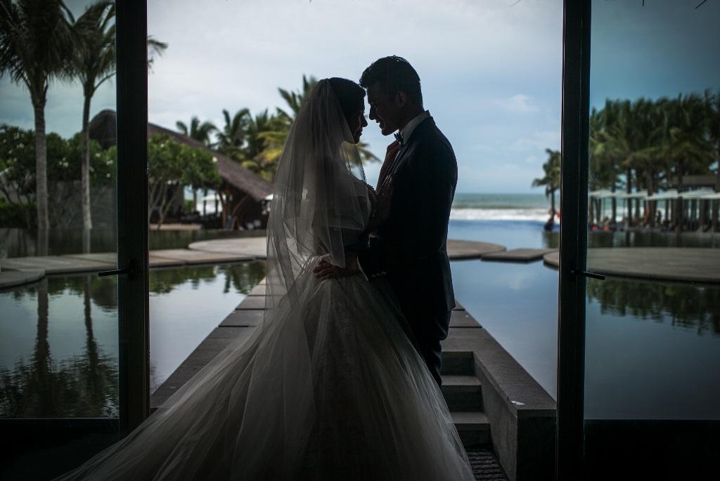 Hiện tại, cả hai đang rất tất bật lo cho hôn lễ của mình và công việc nên khá bận rộn.