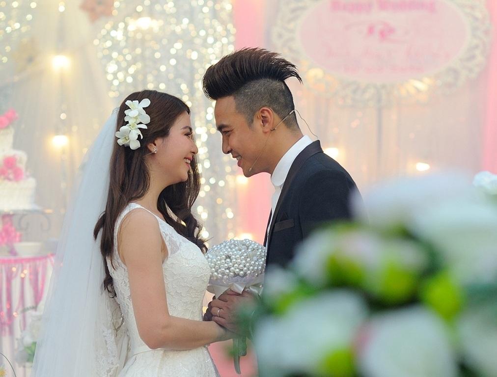 Kha Ly - Thanh Duy đãi tiệc cưới giản dị tại quê nhà - 10