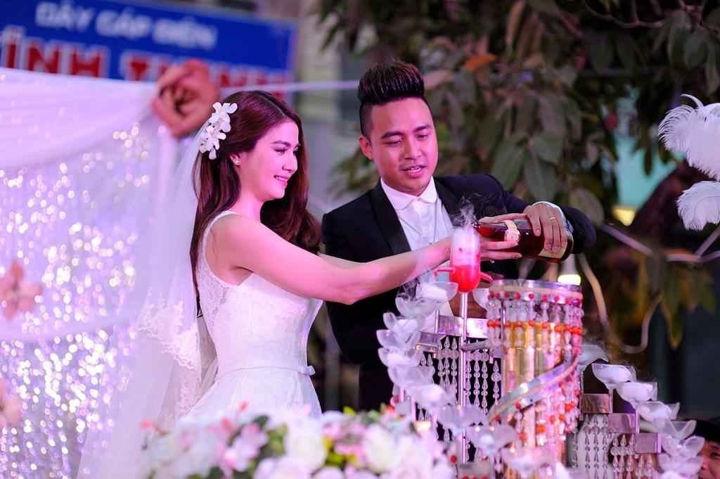 Kha Ly - Thanh Duy đãi tiệc cưới giản dị tại quê nhà - 13