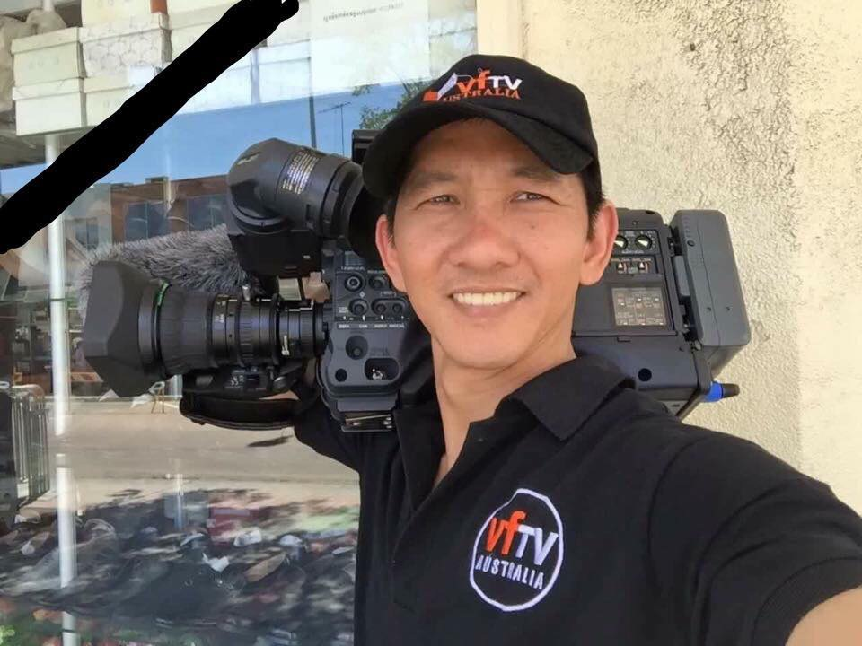 Quay phim Quốc Hương đã tử vong khi đang thử máy quay trên máy bay hạng nhẹ tại Úc.