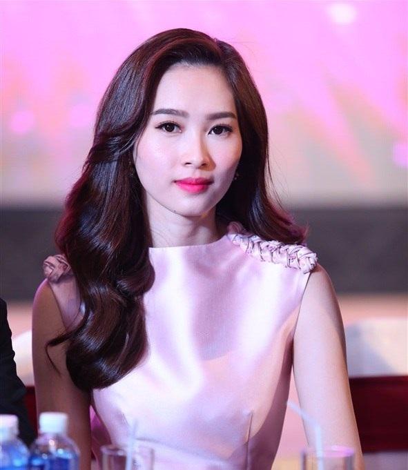 Năm nay, Hoa hậu Đặng Thu Thảo sẽ ngồi ghế giám khảo để cùng tìm ra Hoa hậu Việt Nam năm 2016.