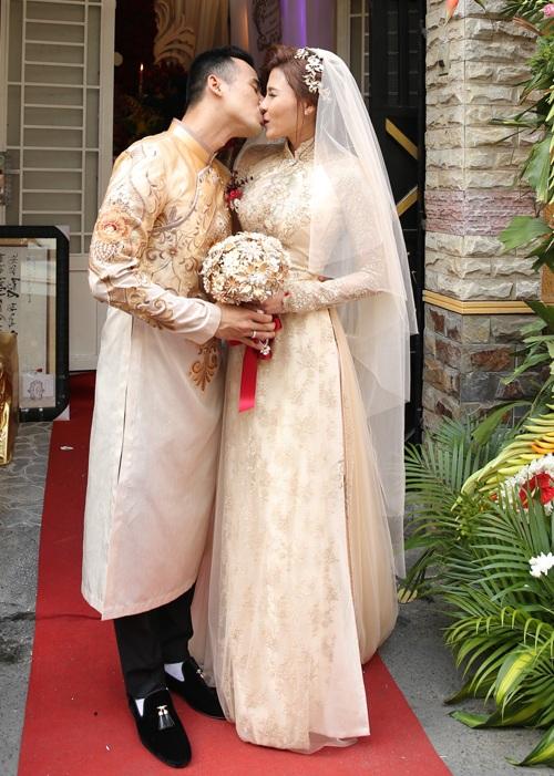 Lương Thế Thành hạnh phúc rước cô dâu Thúy Diễm về quê - 8