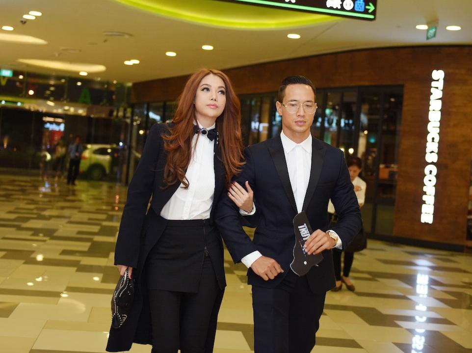 Trương Ngọc Ánh tự tin sánh đôi cùng Kim Lý trong buổi ra mắt bộ phim mới nhất của cô