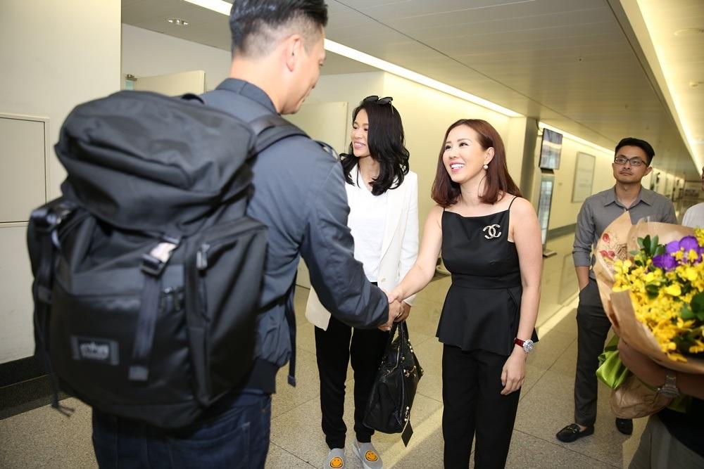 Chồng Hồ Hạnh Nhi bắt tay người bạn thân của vợ