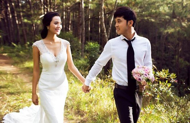 Ảnh cưới được cặp đôi chia sẻ vào năm 2015