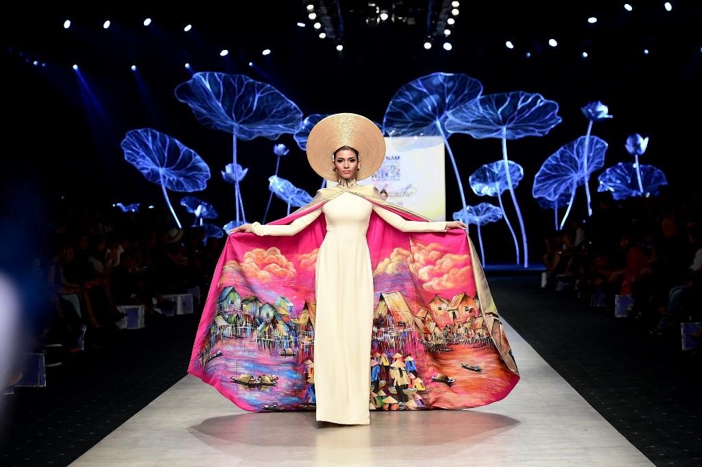 Trương Thị May, Lan Khuê đẹp lộng lẫy với áo dài truyền thống - 7