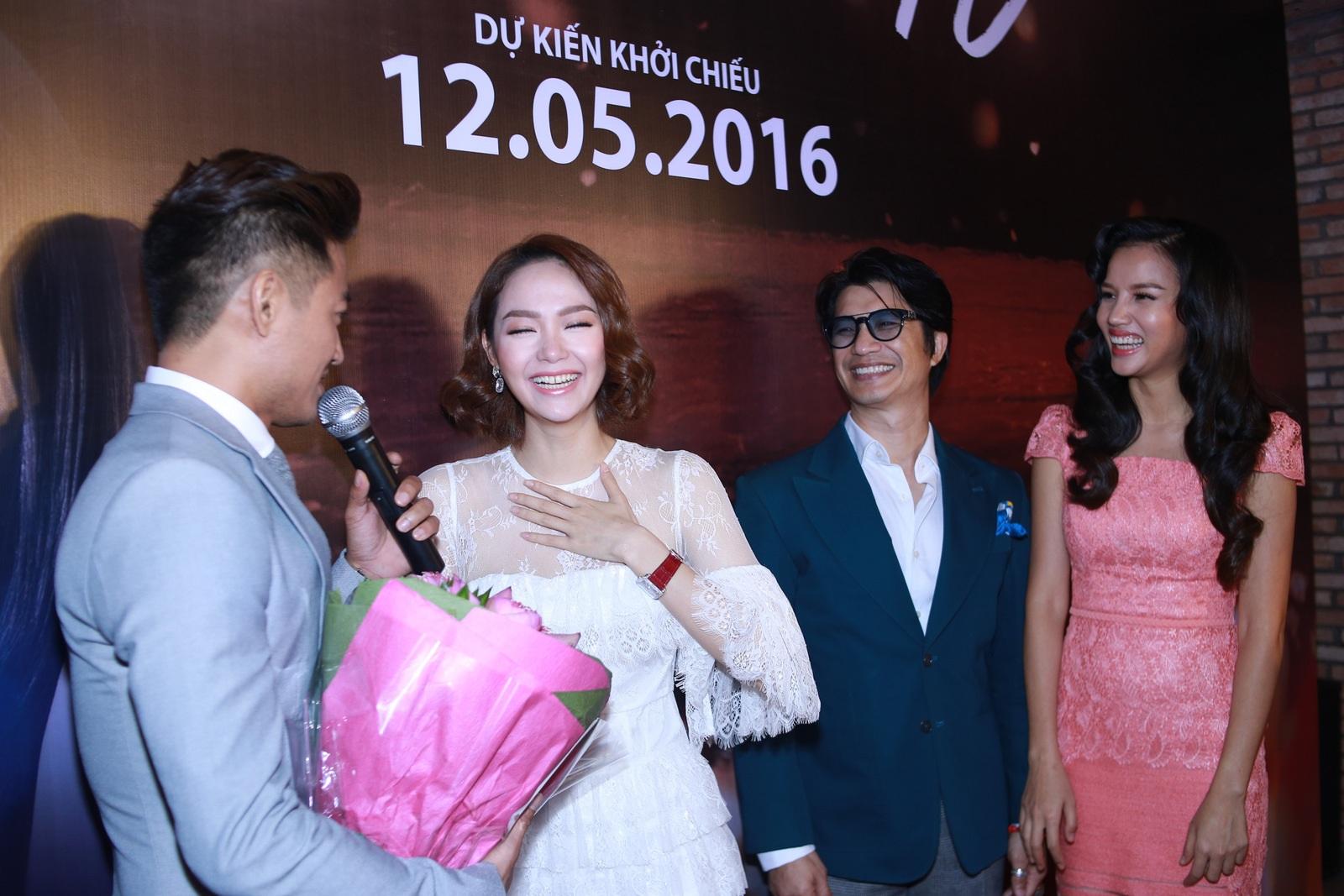 Quý Bình khiến Minh Hằng xúc động vì màn cầu hôn bất ngờ - 2