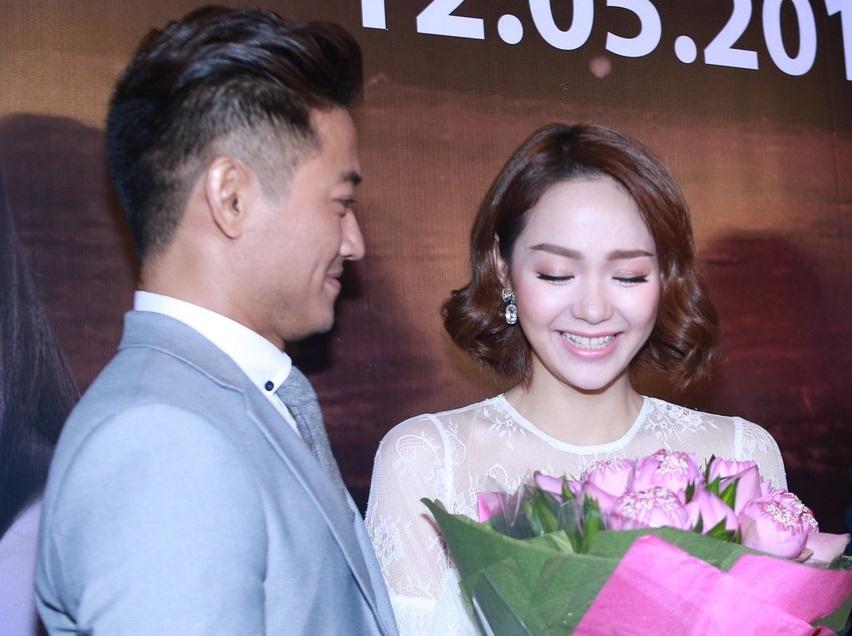 Quý Bình khiến Minh Hằng xúc động vì màn cầu hôn bất ngờ - 4