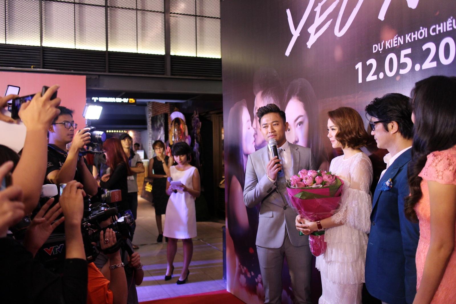 Quý Bình khiến Minh Hằng xúc động vì màn cầu hôn bất ngờ - 7