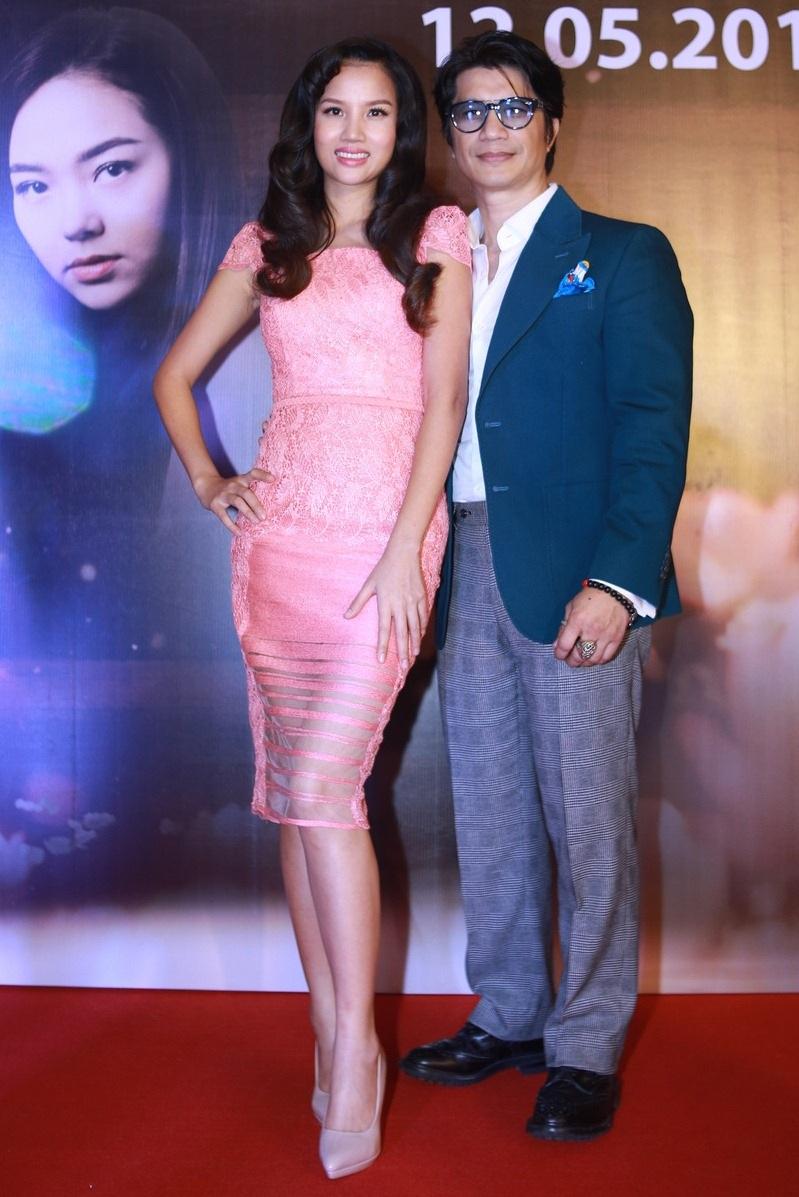Cũng trong buổi giao lưu, Nhà sản xuất Bebe Phạm công bố con số đầu tư cho phim đến thời điểm hiện tại đã lên đến 14 tỷ, lớn hơn dự tính ban đầu của cô và chồng – đạo diễn Dustin Nguyễn rất nhiều.