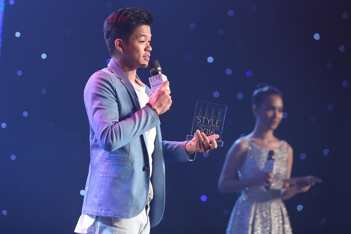 Quán quân Idol 2015 Trọng Hiếu nhận giải Nam ca sĩ phong cách triển vọng của năm