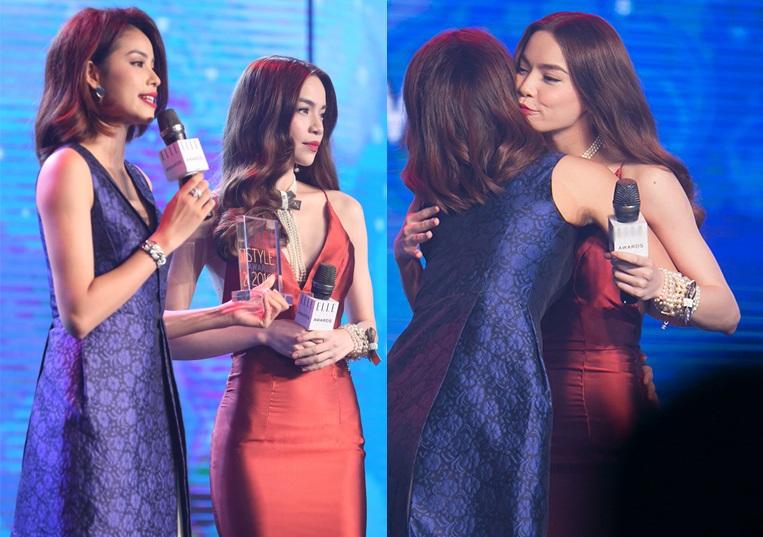 Hình ảnh Phạm Hương ôm Hà Hồ thắm thiết khi cô được đàn chị trao giải Gương mặt thời trang ấn tượng của năm vào ngày 10/5 vừa qua