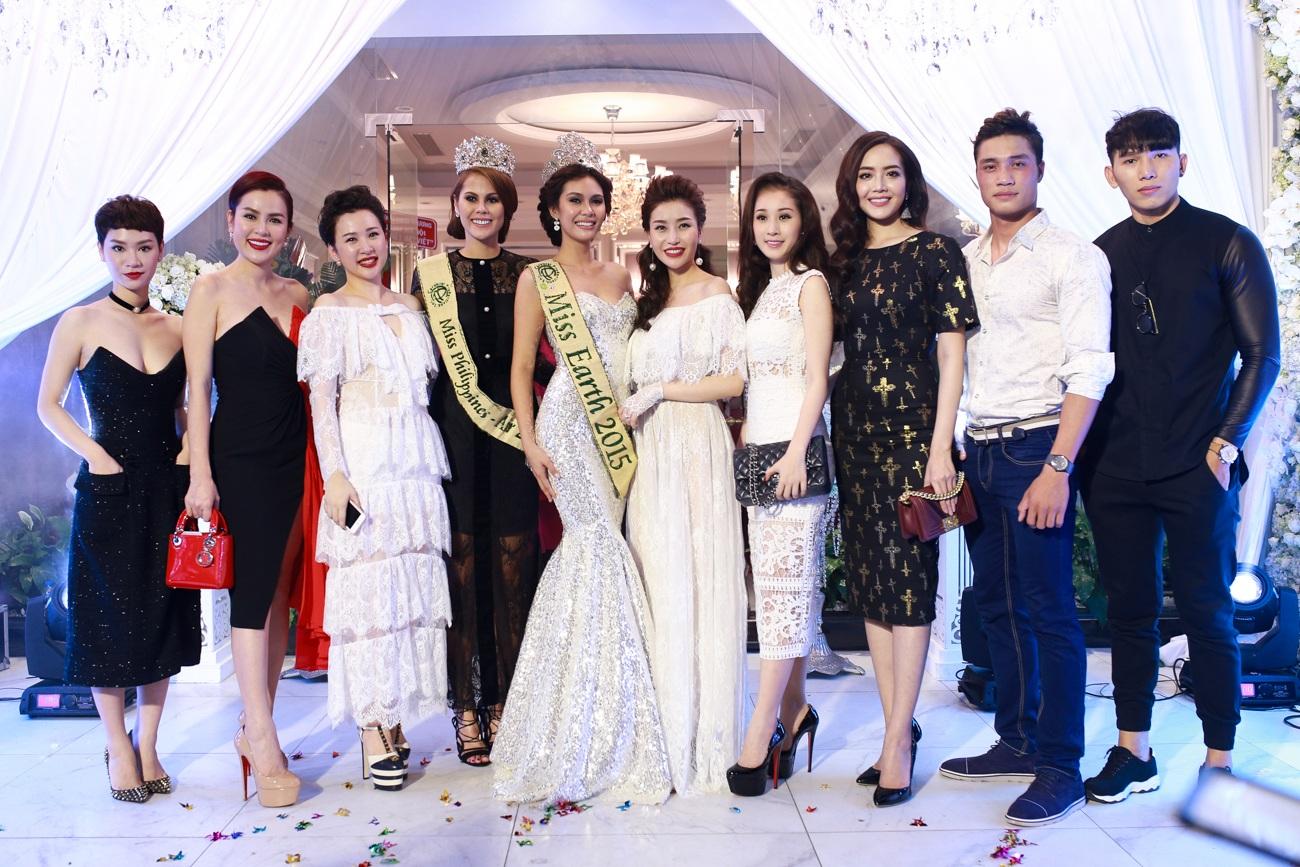 Áo trắng đỏ): Á hậu Phương Lê và doanh nhân Nguyễn Lam Cúc
