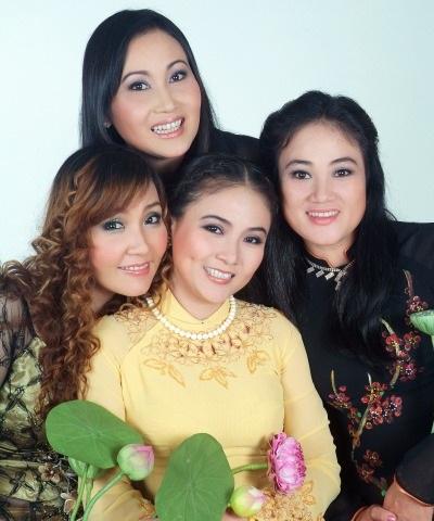 Bốn chị em Thanh Hằng, Vân Quỳnh, Thanh Ngọc, Thanh Ngân. Ảnh: Minh Hoàng