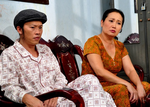 Nghệ sĩ Hoài Linh là người thuyết phục Thanh Hằng về lại quê nhà hoạt động sau khi đã hoàn thành nghĩa vụ của người mẹ, người vợ trong gia đình