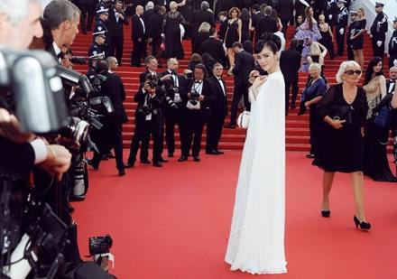 Những sao Việt từng có mặt tại Liên hoan phim Cannes - 23