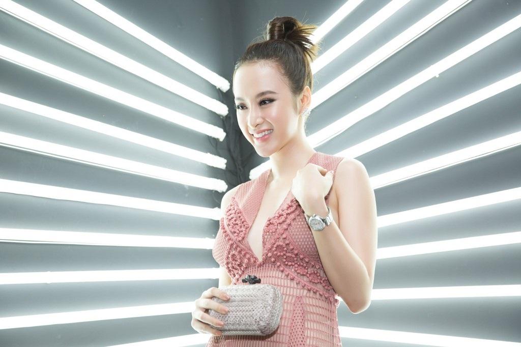 Angela Phương Trinh bất ngờ diện váy xuyên thấu táo bạo - 3