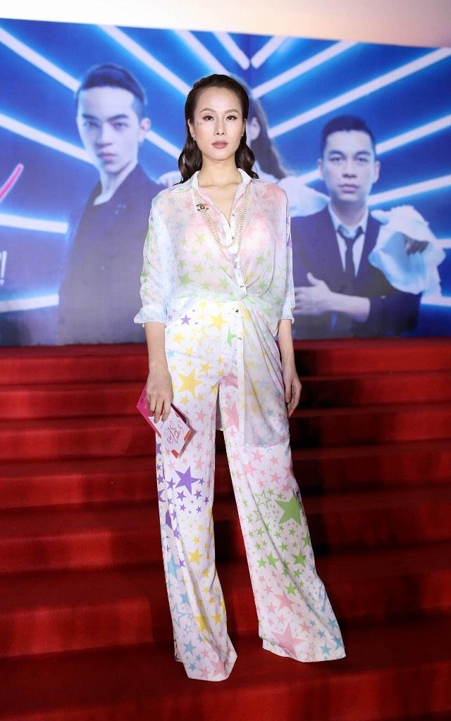 Angela Phương Trinh bất ngờ diện váy xuyên thấu táo bạo - 21