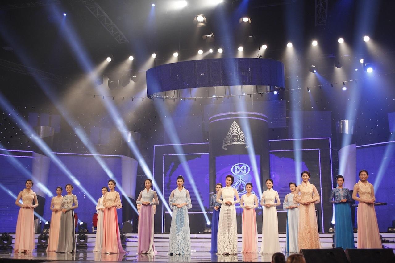 Những khoảnh khắc đẹp đêm chung kết Hoa khôi áo dài - 41