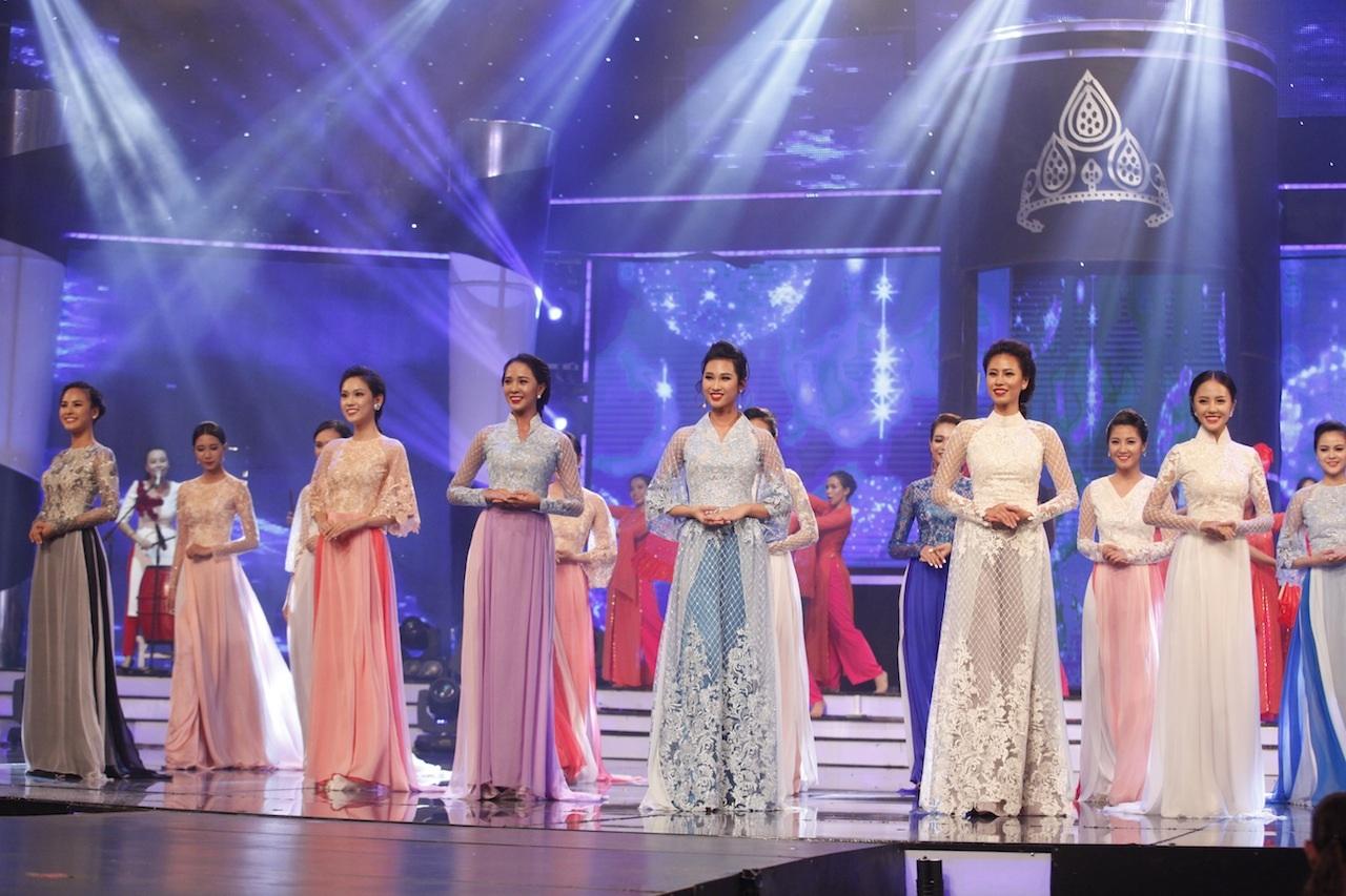 Những khoảnh khắc đẹp đêm chung kết Hoa khôi áo dài - 40