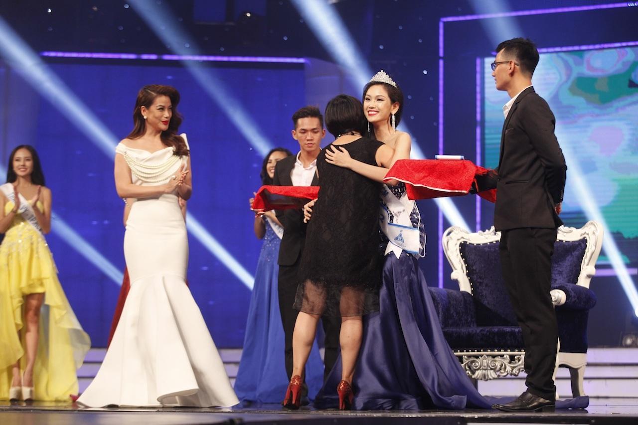 Những khoảnh khắc đẹp đêm chung kết Hoa khôi áo dài - 23
