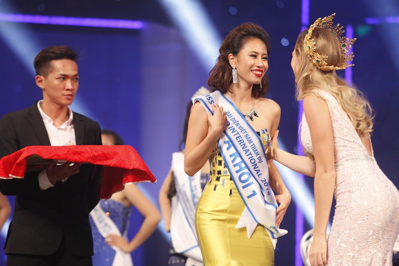 Những khoảnh khắc đẹp đêm chung kết Hoa khôi áo dài - 18