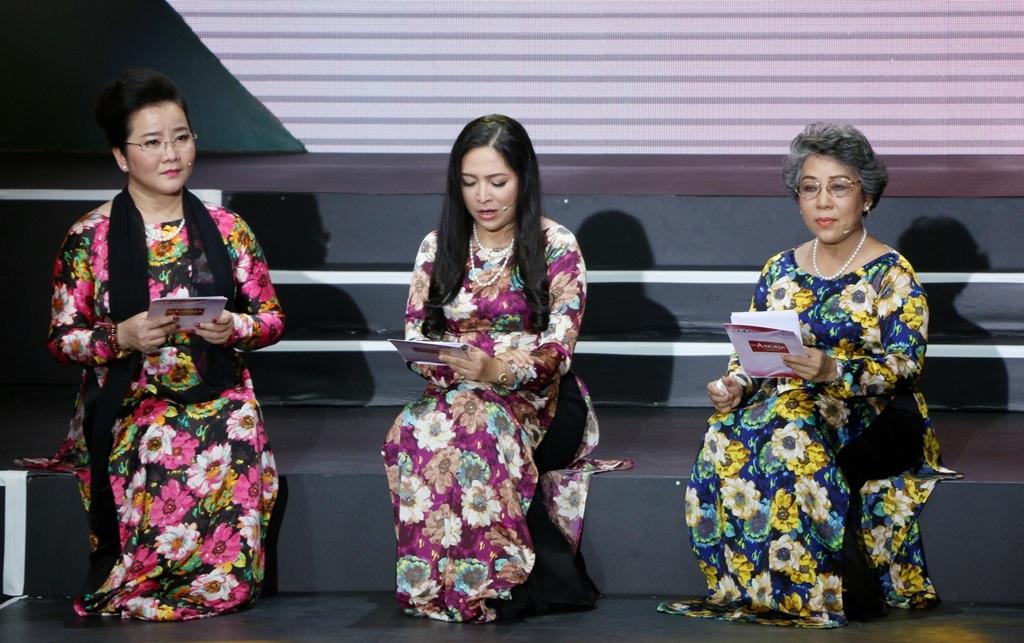 Trong chương trình, ngoài giọng đọc quen thuộc của MC Quỳnh Hương, khán giả truyền hình bất ngờ khi gặp lại gương mặt PTV Khải Hoàn. Cô rất quen thuộc với khán giả truyền hình thập niên 80-90