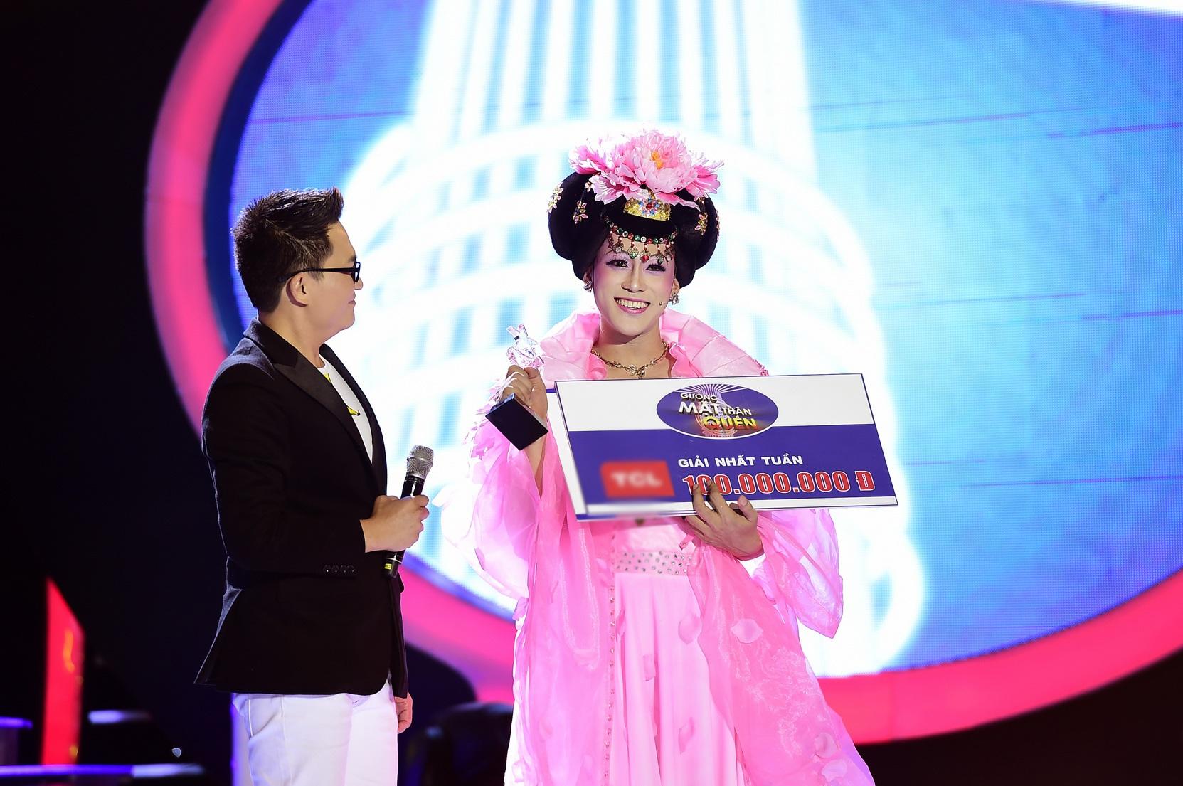 Với phần trình diễn này, Phan Ngọc Luân đã giành được chiến thắng nhất tuần lần đầu tiên sau 8 show với giải thưởng.