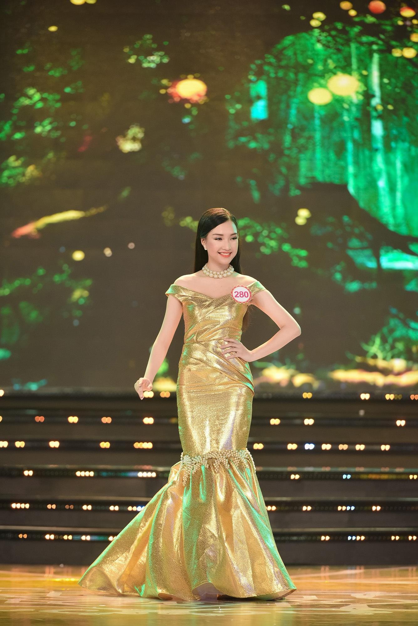Chung khảo Hoa hậu phía Nam: bất ngờ chỉ 18 thí sinh được đi tiếp - 27