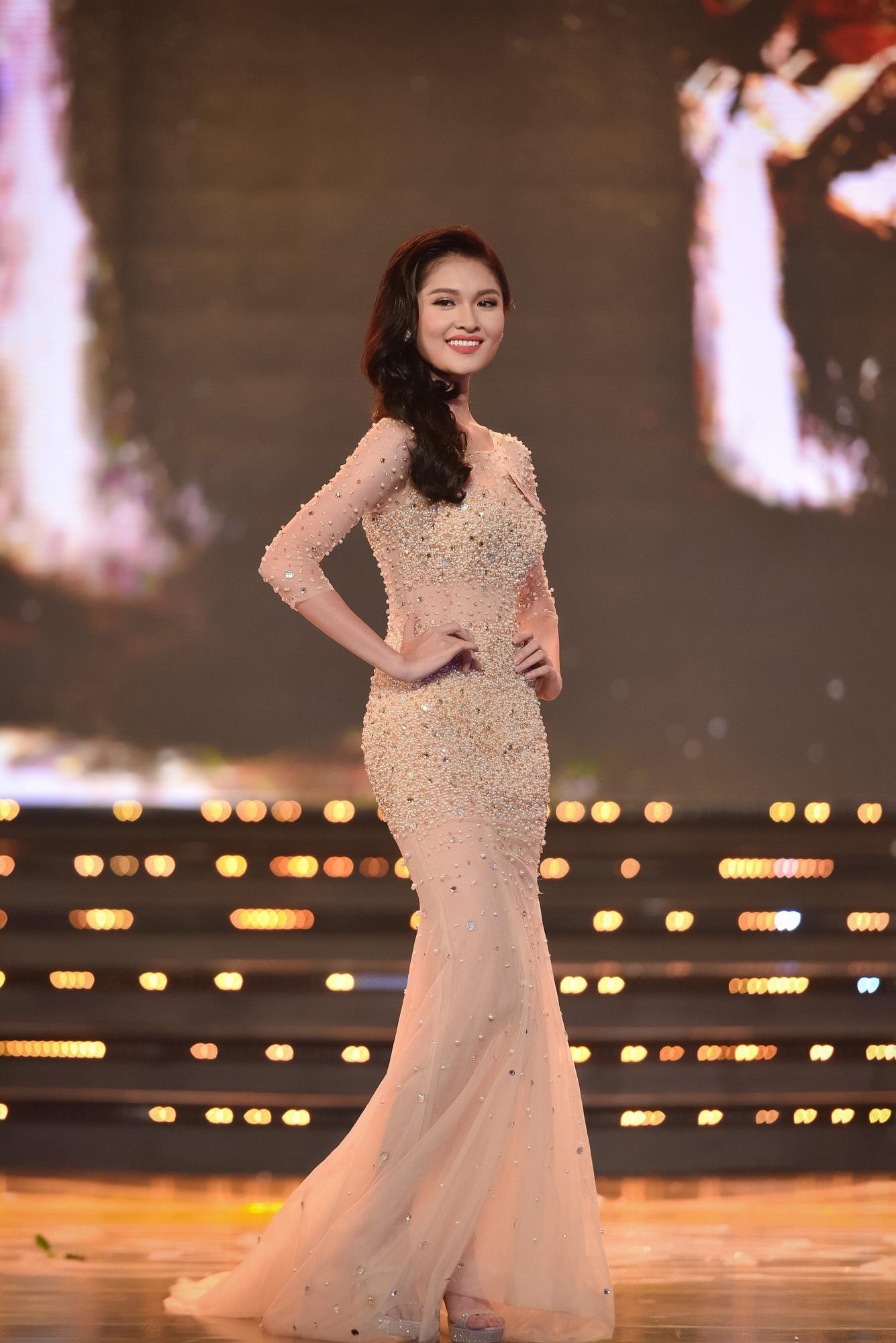Chung khảo Hoa hậu phía Nam: bất ngờ chỉ 18 thí sinh được đi tiếp - 21
