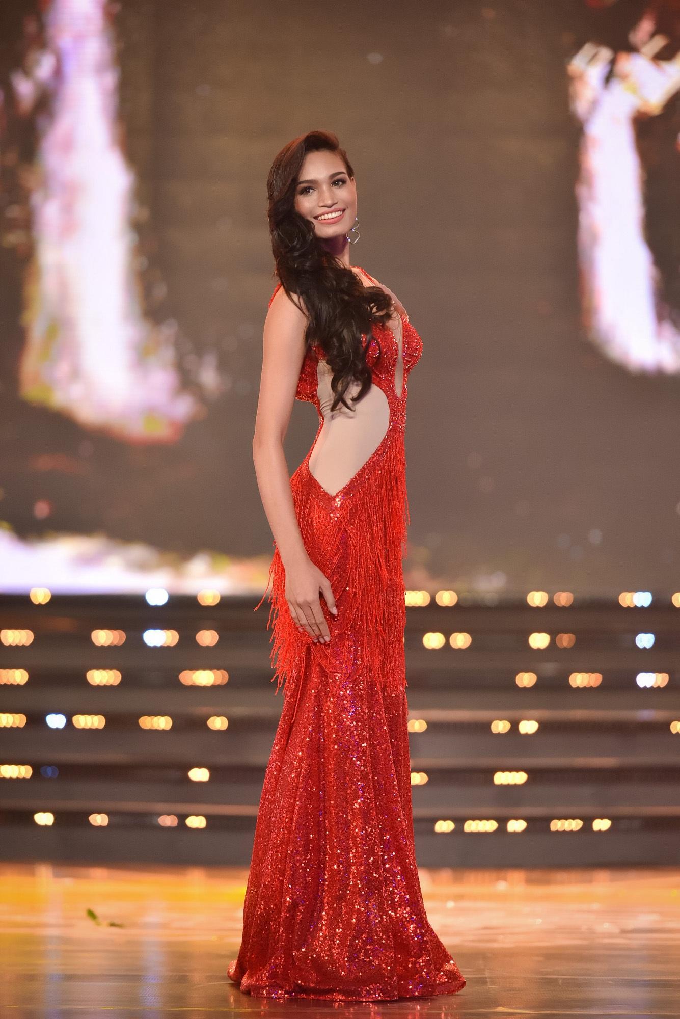 Chung khảo Hoa hậu phía Nam: bất ngờ chỉ 18 thí sinh được đi tiếp - 24