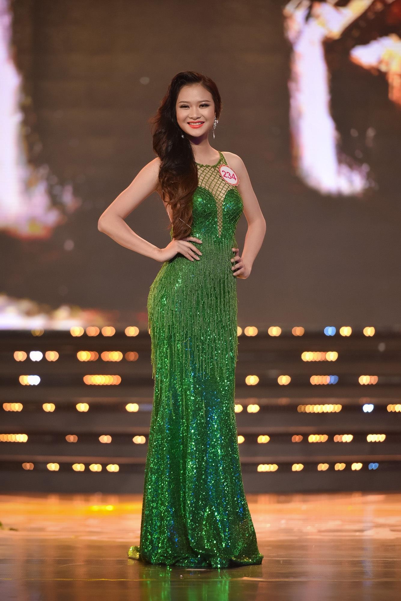 Chung khảo Hoa hậu phía Nam: bất ngờ chỉ 18 thí sinh được đi tiếp - 26