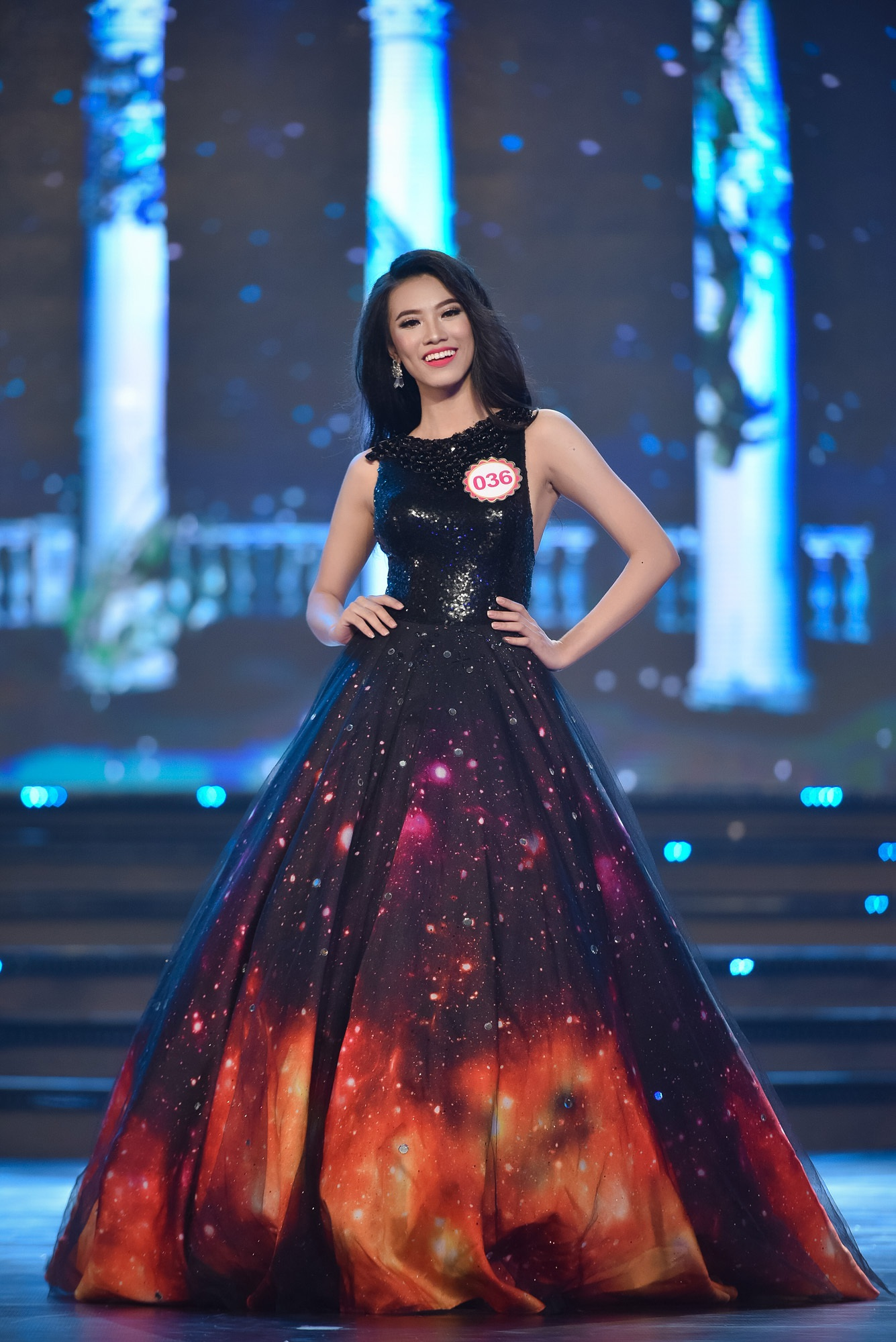 Chung khảo Hoa hậu phía Nam: bất ngờ chỉ 18 thí sinh được đi tiếp - 25