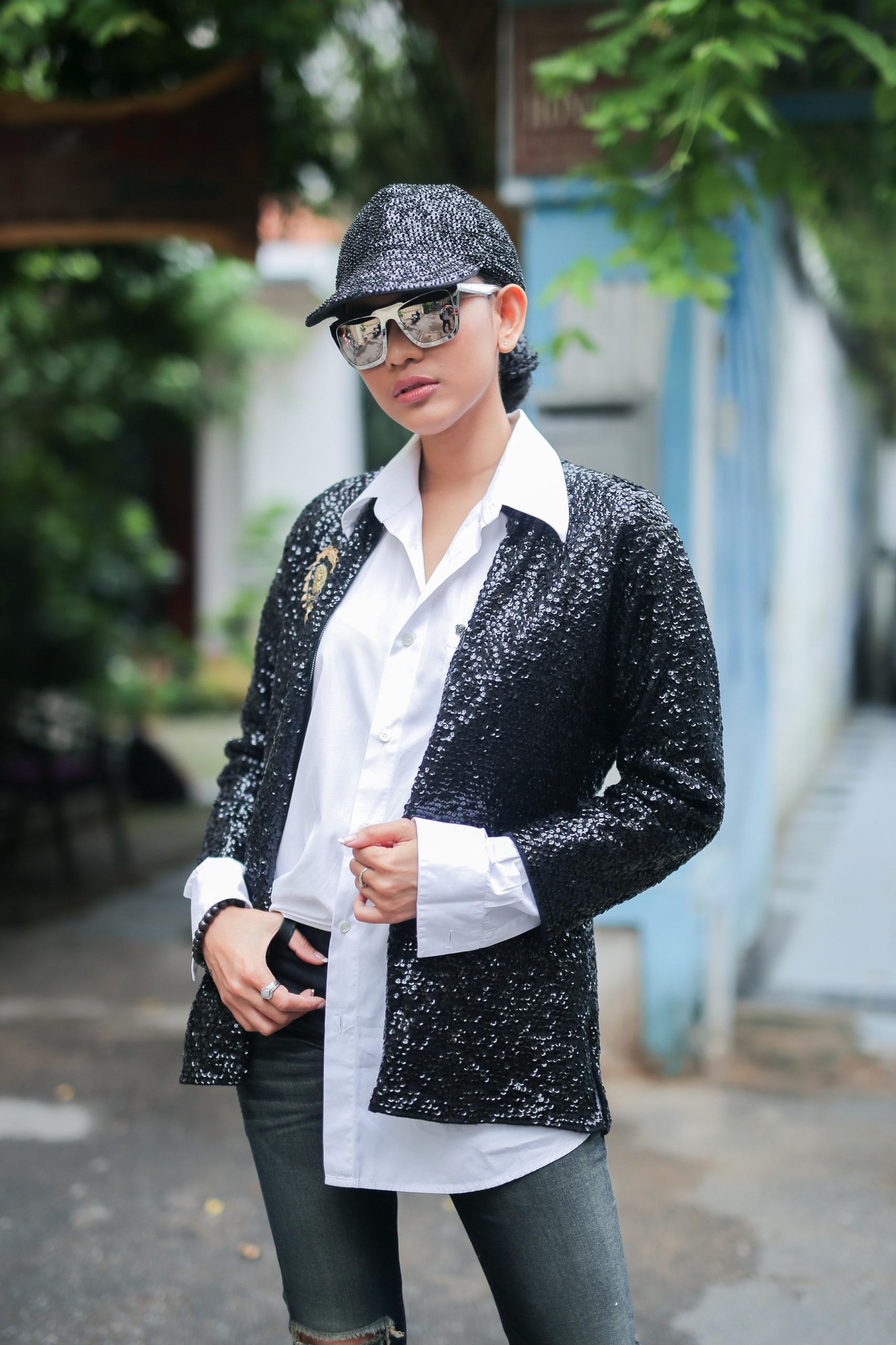 Phong cách nam tính hiếm thấy của Trương Thị May