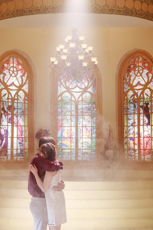 Một trong những cảnh quay khiến đạo diễn và ê-kíp hài lòng nhất chính là cảnh quay diễn viên Tuấn Trần ôm hôn Hari Won. Cả hai dù là lần đầu kết hợp nhưng vẫn diễn tả trọn vẹn sự ngọt ngào và niềm hạnh phúc khi hóa thân vào nhân vật.