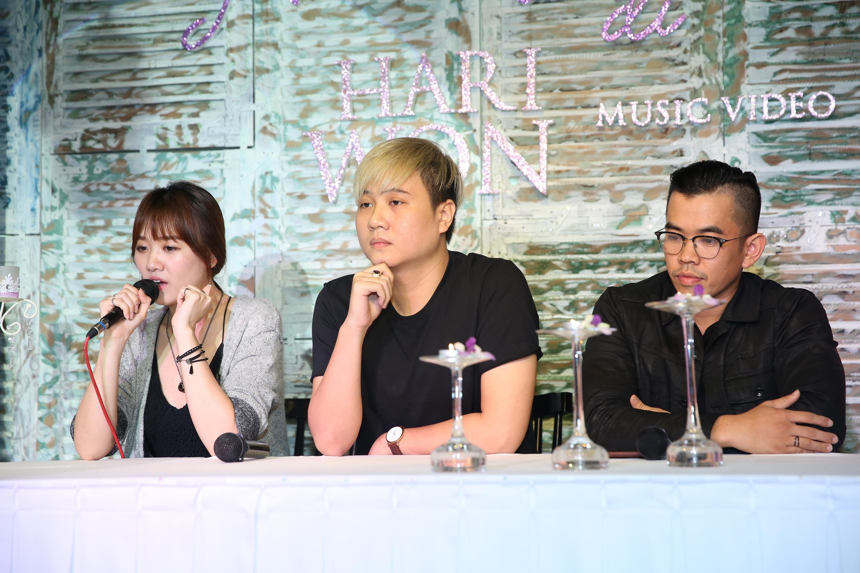 Hari và ê-kíp thực hiện MV của mình, nhạc sĩ Vương Anh Tú, đạo diễn Danny Đỗ