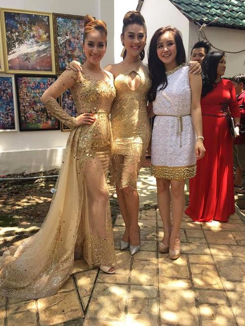 Nữ hoàng dancesport Khánh Thi, Lâm Chi Khanh và Vy Oanh có mặt trong đám cưới