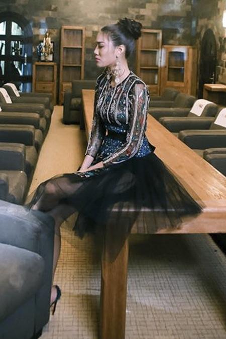 Bộ váy đắt tiền của Lan Khuê trong tập 6 đầy tranh cãi.